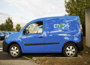 Camionnette bleue ENEDIS